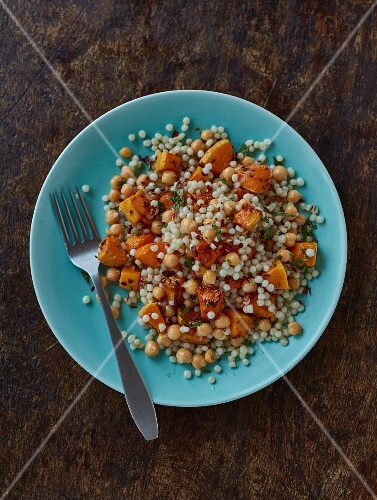 Giant couscous salad with squash, chickpeas and chilli flakes