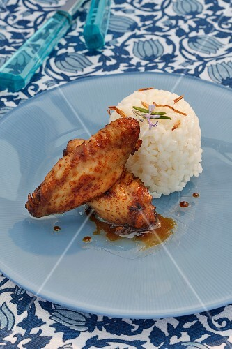 Chicken wings with ginger rice