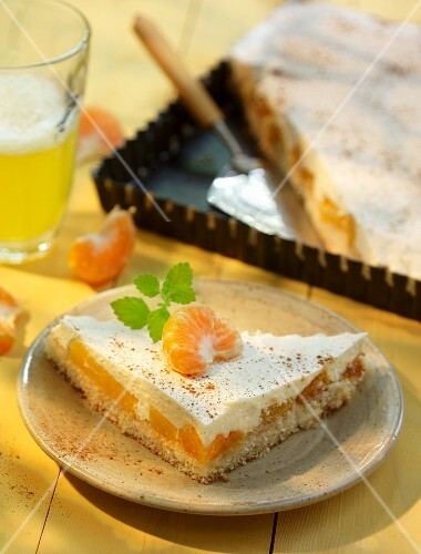 Sour cream cake with mandarins and Fanta