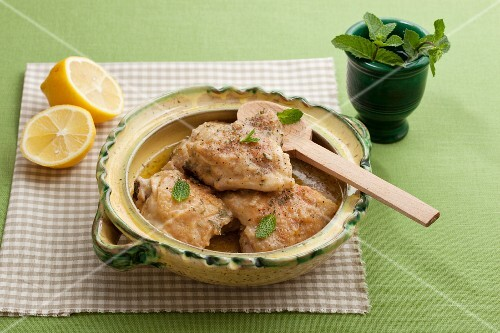 Lemon chicken with peppermint