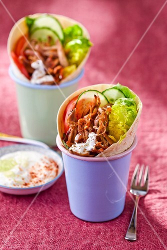 Donner wraps with yoghurt and salad