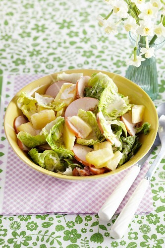 Cos lettuce with smoked chicken and pineapple