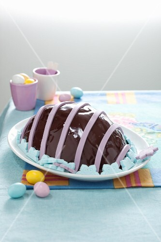 Uovotto di Pasqua (egg-shaped dome cake, Italy)