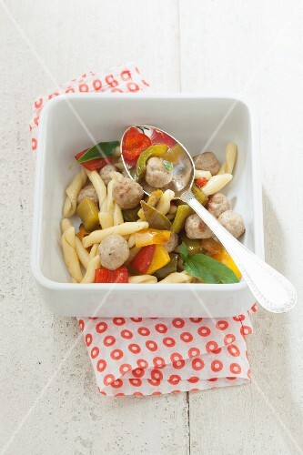 Pasta with mini meatballs and vegetables