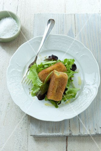 Potato croquettes with lettuce