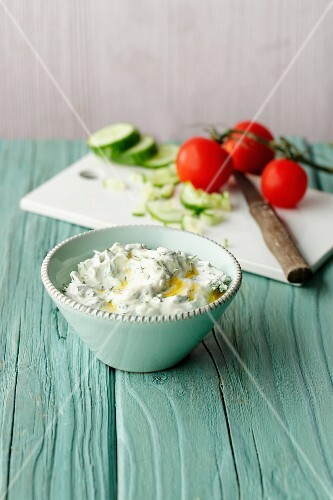 Flaxseed quark with fresh herbs (simple glyx)
