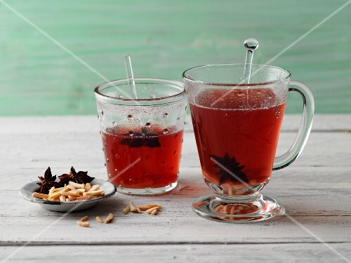 Redcurrant punch with moringa leaf tea