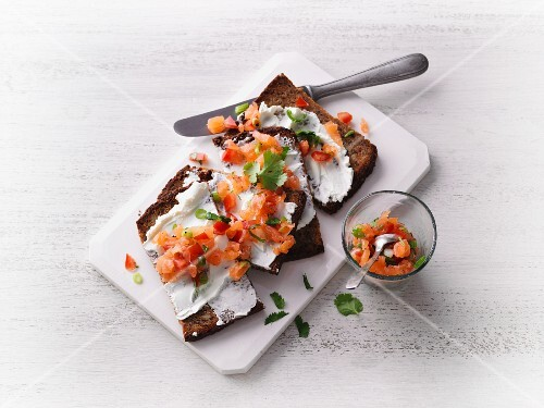 Protein crostini with cream cheese and salmon tartare