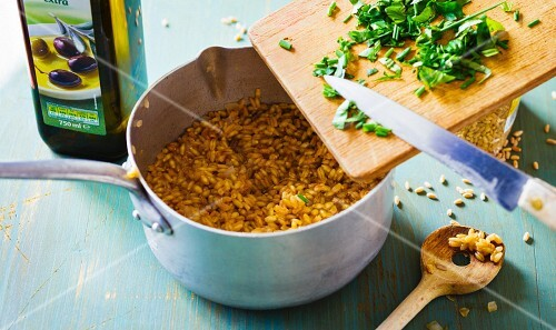 Spelt and barley risotto with fresh herbs