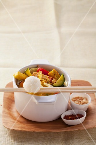 Thai curry with tofu and vegetables