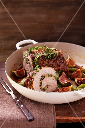 Turkey roulade with figs