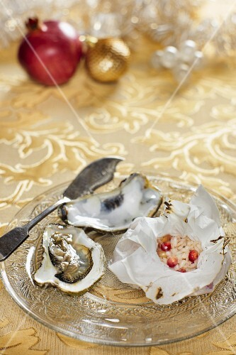 Oysters with little rice sacks for Christmas