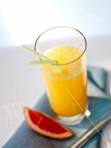 'Greetings from Andalusia' (cocktail with orange juice)