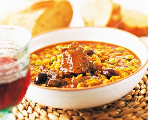Bean stew with lamb and olives