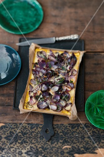 Polenta bake with red onions