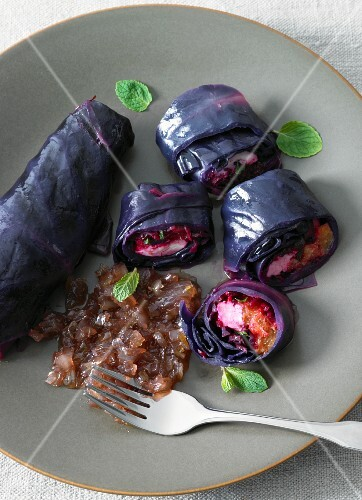 Red cabbage roulade