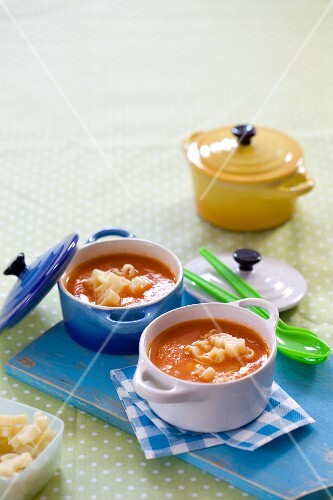 Tomato soup (children's soup)
