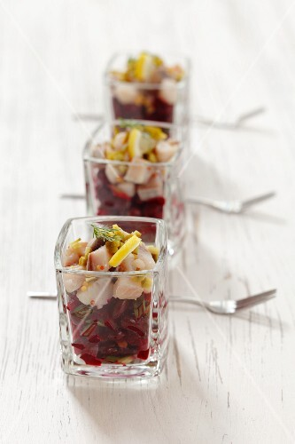 Herring salad with beetroot and kidney beans