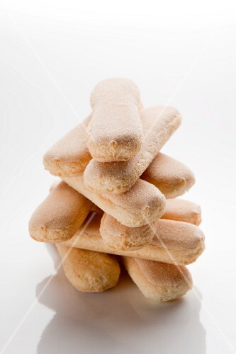 A stack of sponge fingers