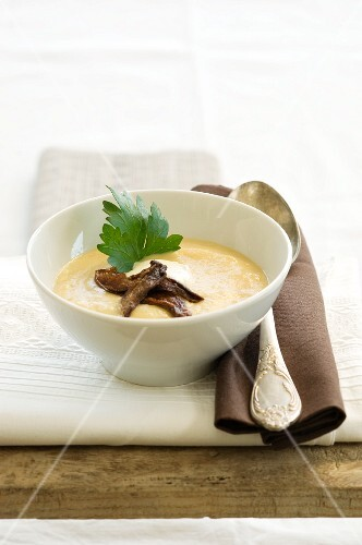 Potato soup with porcini mushrooms and parsley