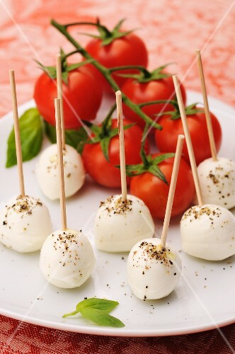 Cherry tomatoes and mini mozzarella balls