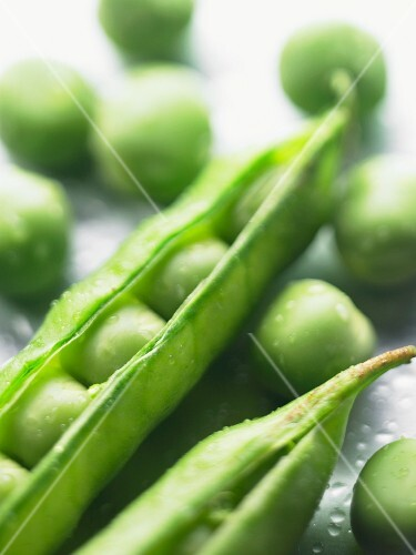 Peas with a pod (close-up)