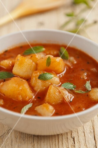 Mandzha (Bulgarian potato stew)