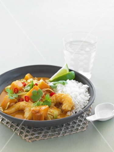 Red prawn curry with rice (Thailand)
