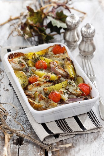 Potato bake with onions and tomatoes