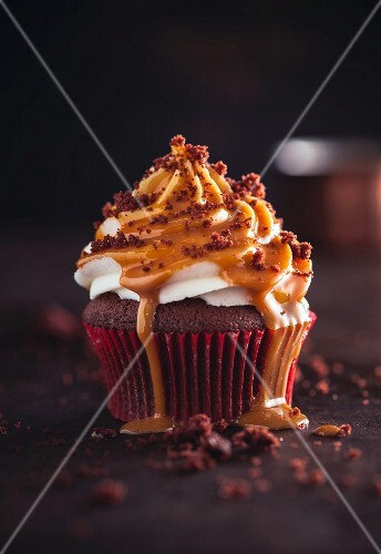 Chocolate & caramel cupcake
