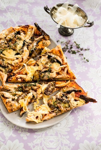 Mushroom, chicken and Gruyere pizza