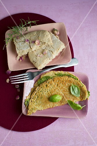 Rice focaccia with herbs and rose petals, piadina with pistachio cream and basil