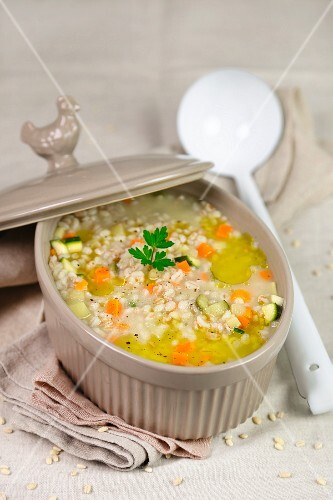 Minestra with barley and vegetables