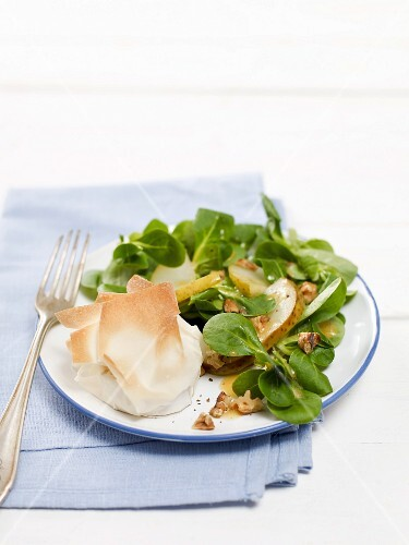 Lambs lettuce with goats cheese in filo pastry