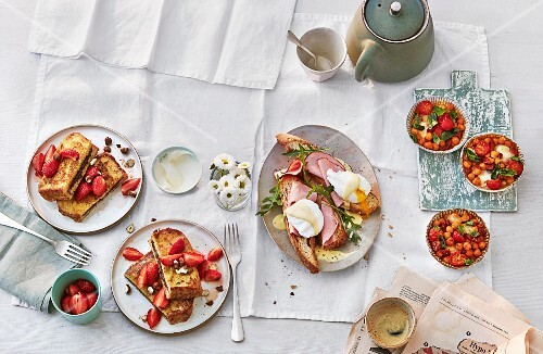 Sweet and savoury brunch dishes