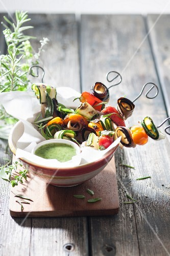 Vegetable kebabs with mint sauce