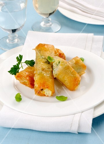 Filo pastry rolls filled with fish