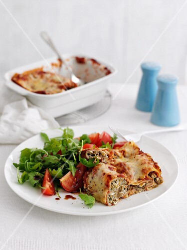 Cannelloni with a side salad