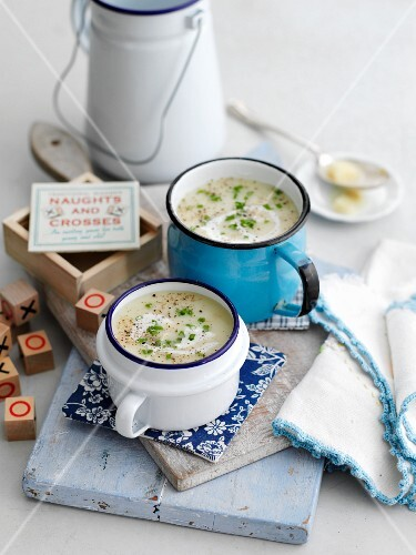 Leek and potato soup with herbs