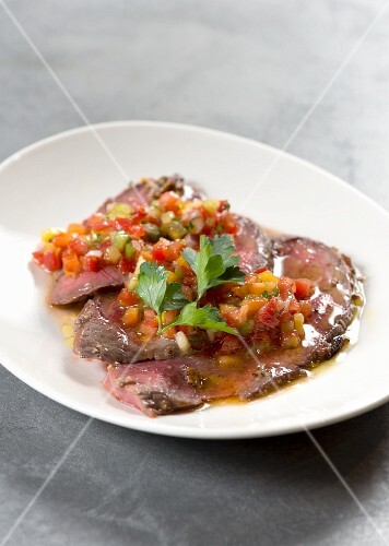 Roastbeef con dadolata di verdure (rows to be with steamed, diced vegetables, Italy)