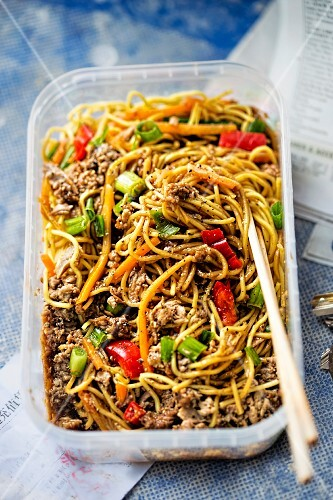 Hoisin duck with noodles, peppers and spring onions to take away