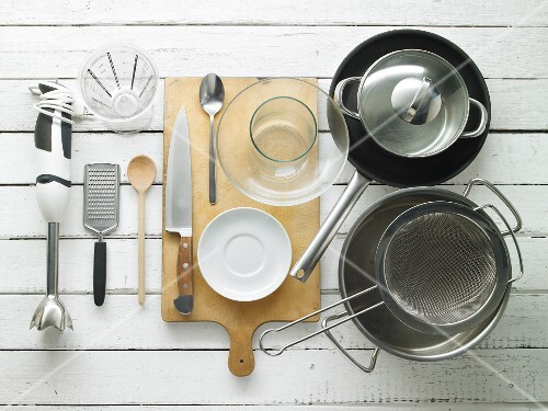 Utensils for making spaghetti dishes