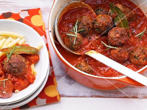 Meatballs in a spicy tomato sauce