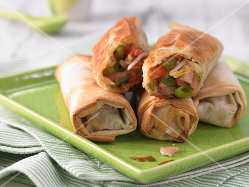 Spring rolls filled with gammon and vegetables