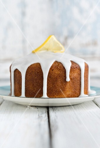 Vegan lemon cake with white icing