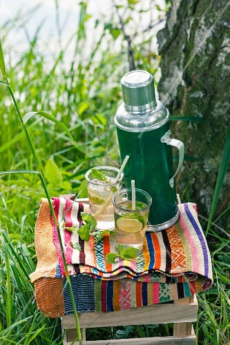 Lime iced tea for a picnic