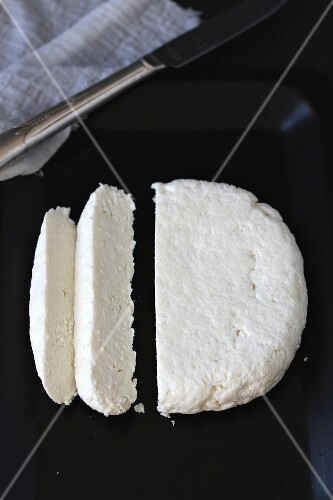 Sliced paneer cheese