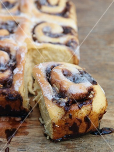 Tear and share cinnamon rolls