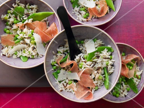 Wild rice with peas and Parma ham
