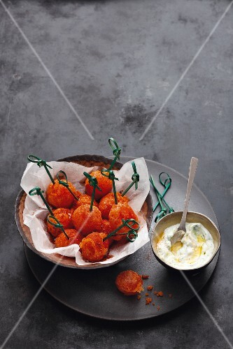 Crispy fried tomatoes with cucumber & quark dip